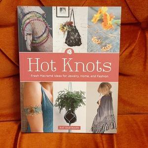Hot Knots Macramé Book